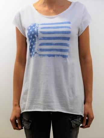 Camiseta de mujer con estampado de bandera.