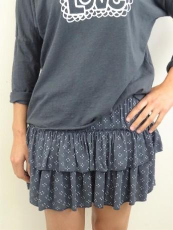 Minifalda de mujer cuatro puntitos