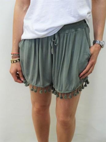 Short de mujer de bambula con flecos.