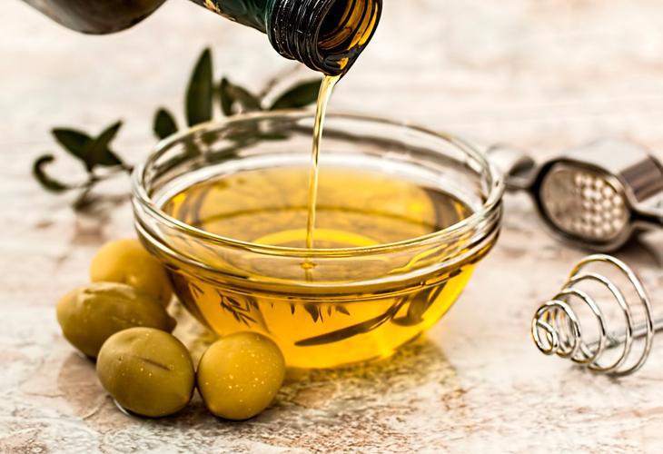 Aceite de oliva para hidratar el cabello