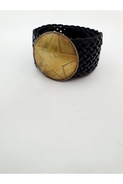 Cinturón de cuero con hebilla negro  grande de estrella
