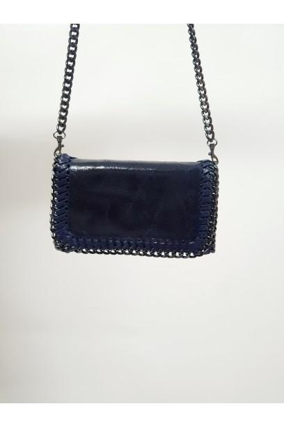 Bolso de piel con cadena azul marino