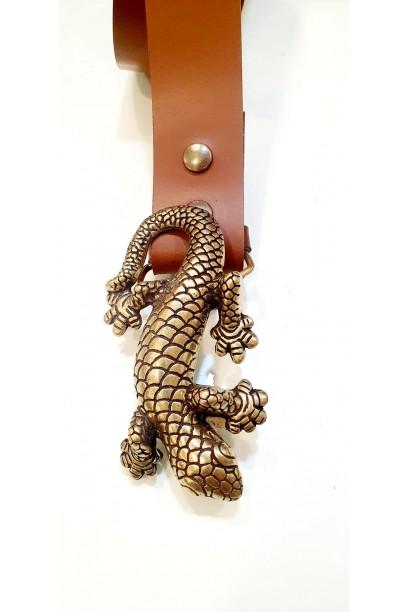 Cinturón de piel camel con hebilla salamandra