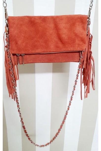 Bolso de piel coral con dos cadenas y flecos