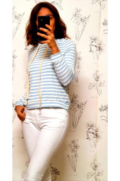 Sudadera de rayas con capucha azul