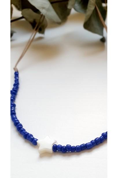 Gargantilla de piedtras de colores azulón estrella de nacar