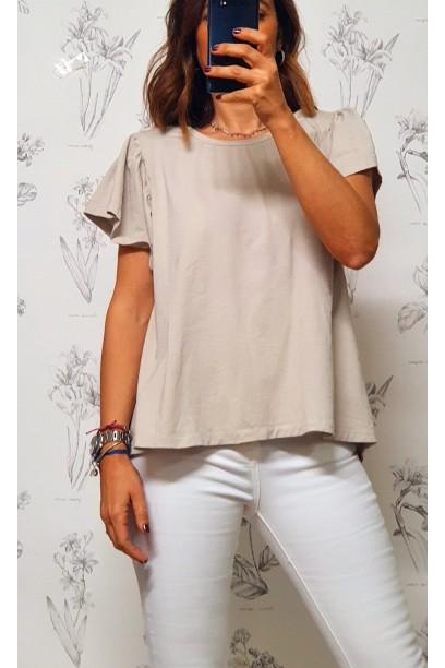 Camiseta oversize con volante en la manga y pliegue en la espalda beige