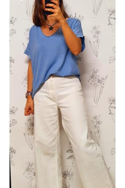 Camiseta oversize cuello pico en colores lavados azul