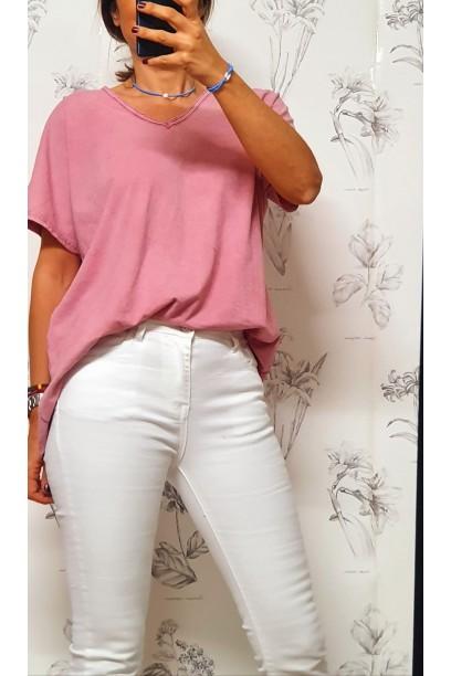 Camiseta oversize cuello pico en colores lavados rosa