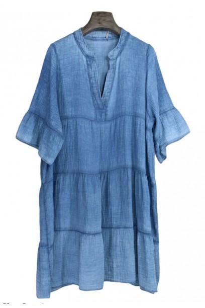 Vestido midi de bambula con cortes y cuello pico azul