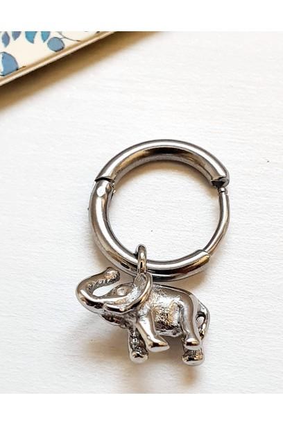 Pendiente elefante plateado de acero
