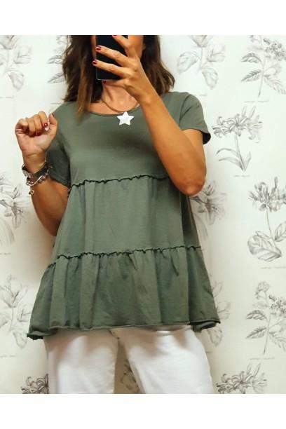 Camiseta verde militar básica de cortes