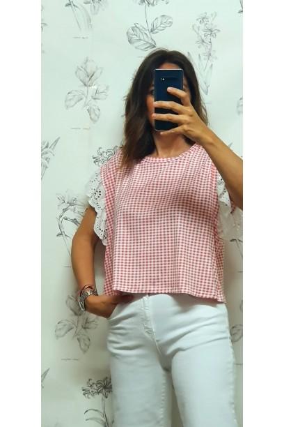 Camiseta coral corta cuadro vichy volante en la manga