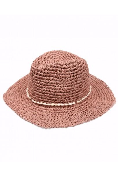 Sombrero de playa rosa con cinta de conchas