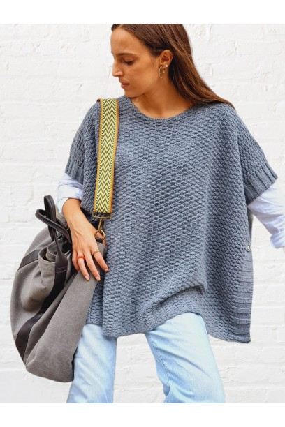jersey tipo poncho gris claro