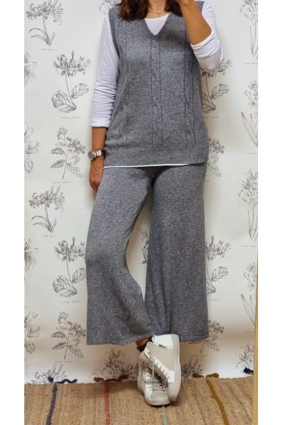 Pantalón de punto con bolsillos gris